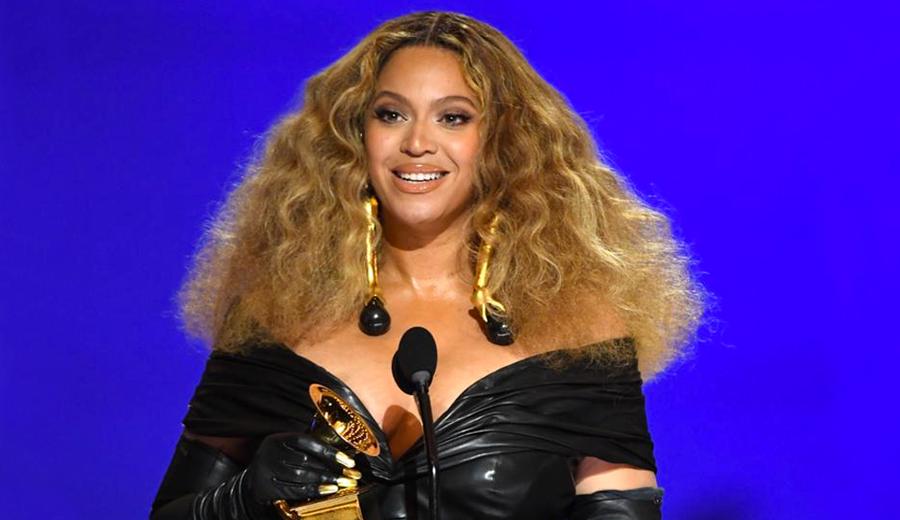 Beyonce-se-torna-a-artista-com-o-maior-numero-de-trofeus-do-Grammy