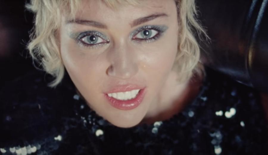 Miley-Cyrus-lanca-novo-single-e-incentiva-a-vacinacao